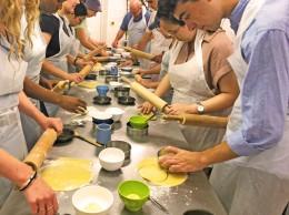 Making gâteaux basques